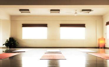 August Yoga-1905_hlrrmz.jpg