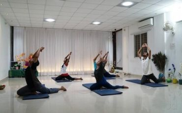 Neolife yoga Studio-8245_dtv9dl.jpg