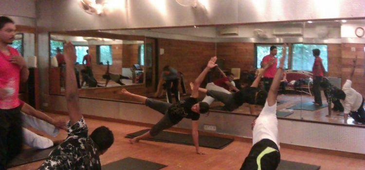 Bharat Thakur Artistic Yoga-Indiranagar-698_aaqqvr.jpg
