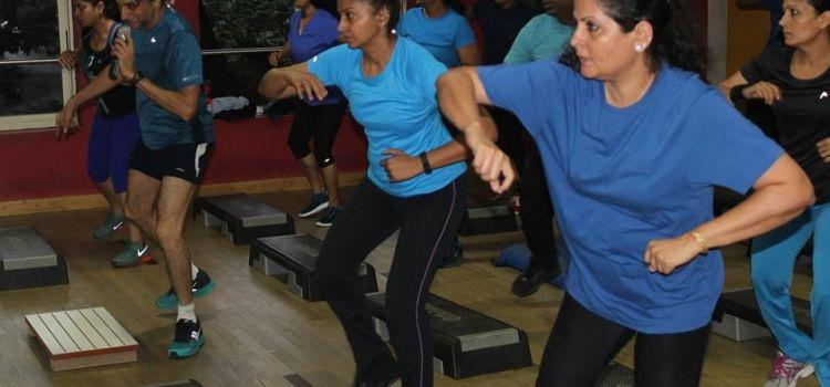 Figurine Fitness-Brookefield-2107_nbuuso.jpg