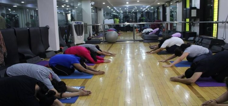 Apple Fitness-MG Road-3447_evbnkq.jpg