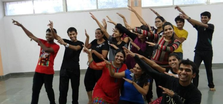 Dance Addicts-Swargate-3879_wonfld.jpg