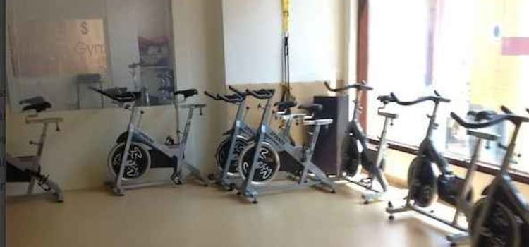 Leena Mogres Fitness-Bandra West-3890_fbjnc5.jpg
