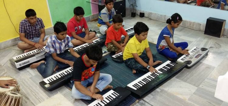 Lyrics Academy Of Music-Gomti Nagar-6260_zcc7qm.jpg