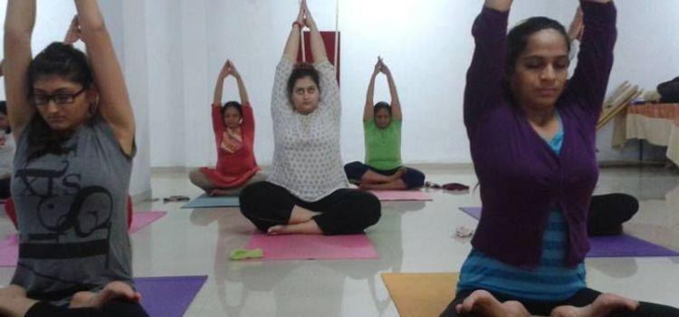 Brinda yoga classes-Vastral-6659_ahkzii.jpg