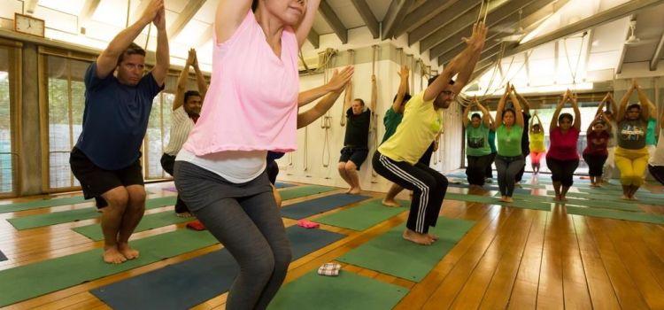 Iyengar Yoga Yogakshema-New Delhi-6764_ryqvan.jpg