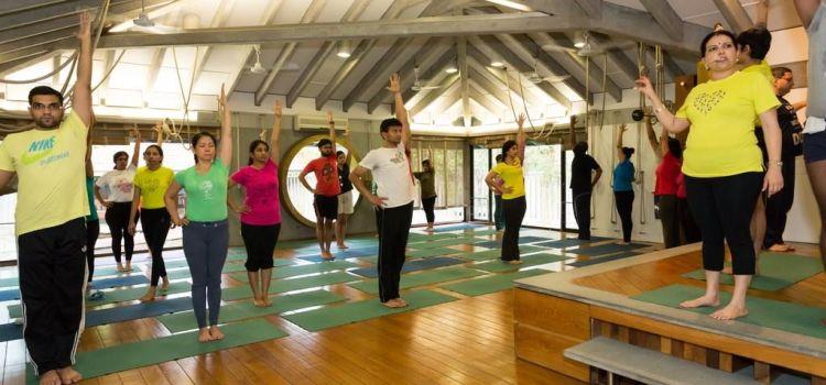 Iyengar Yoga Yogakshema-New Delhi-6768_qh79vq.jpg