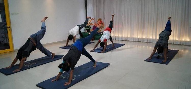 Neolife Yoga Studio-HSR Layout-8240_ie5bld.jpg