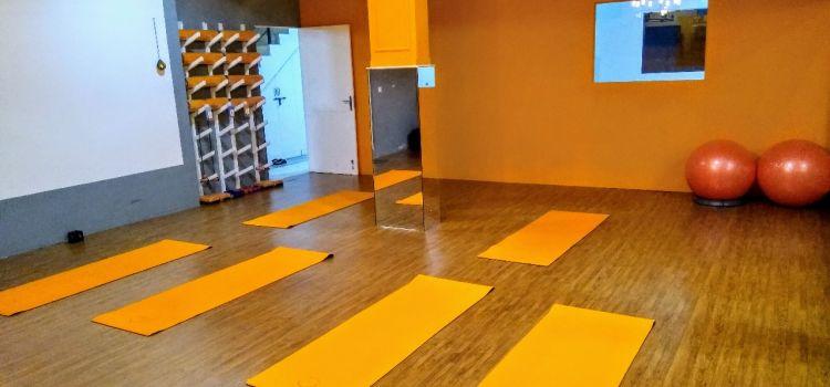 Happy Healer Studio-Sushant Lok I-9215_dwyqso.jpg