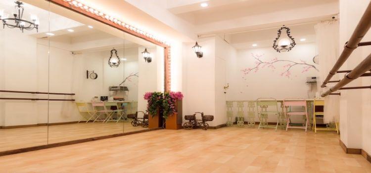 Urban Dancera Company-SV Road-9281_qmaekn.jpg