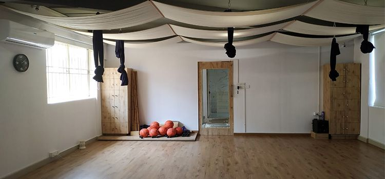 Sarva Yoga Studio-RMV 2nd Stage-10660_kbaihw.jpg
