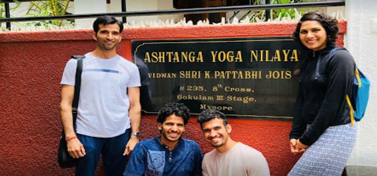 K Pattabhi Jois Ashtanga Yoga Institute-Jayanagar-11072_vkk9rc.jpg