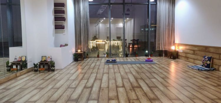 Elate Wellbeing Lounge-Sector 47-11593_a5x2kq.jpg