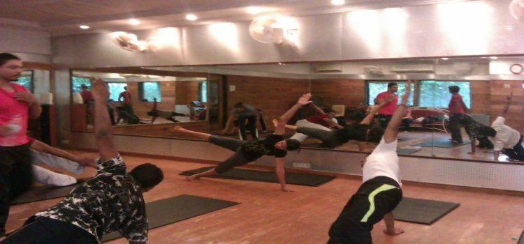 Bharat Thakur Artistic Yoga_694_zvhssq.jpg